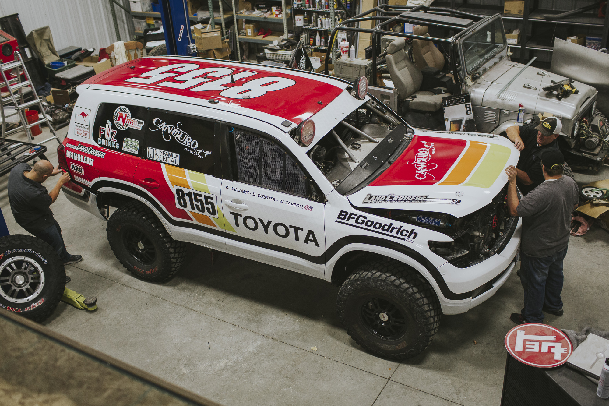 Canguro Racing Toyota Landcruiser parked in a shop